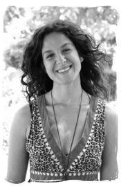 Carmen Camacho Moreno (Licenciada en Psicología por la Universidad de Santiago de Compostela)