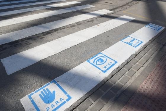Paso de peatones con pictograma